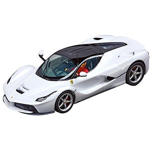 LaFerrari (white metallic) - Evolution Car - Carrera CA27478